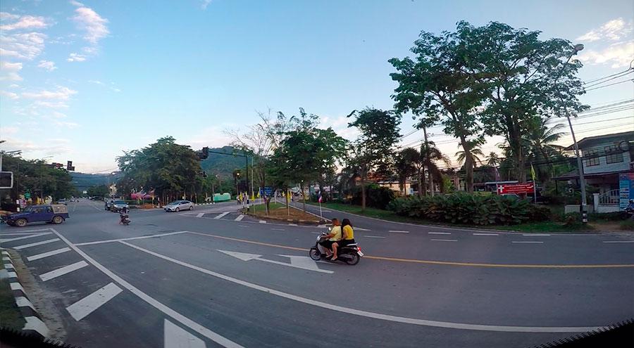 Дорога с автовокзала Самуи до пирса