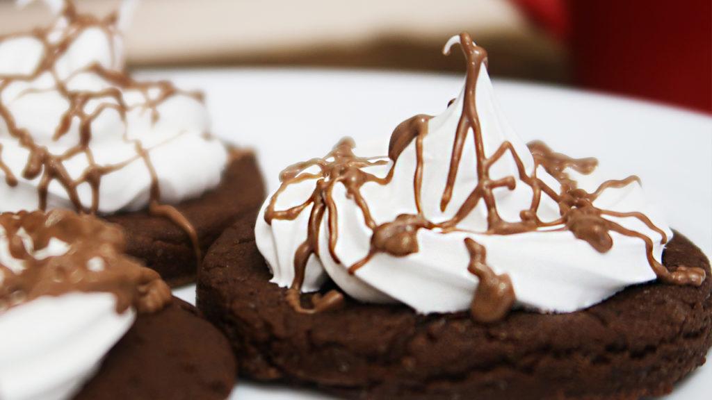 шоколадные пирожные