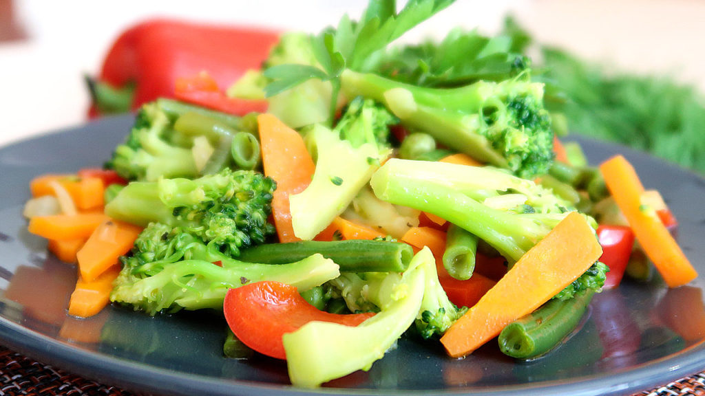 Как быстро и вкусно приготовить брокколи с овощами