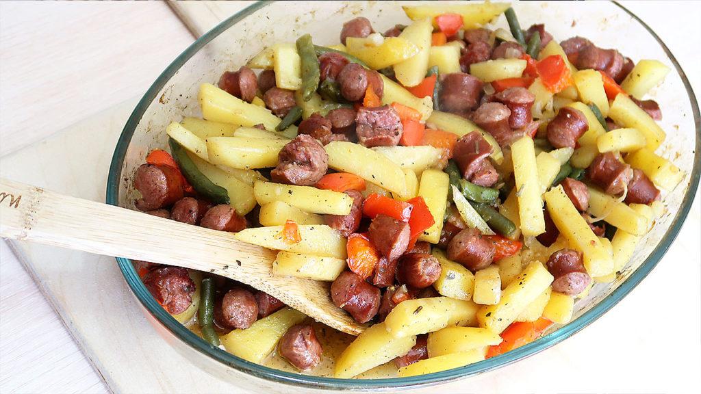 Картофель с охотничьими колбасками