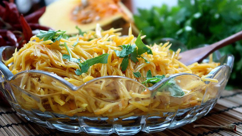 Салат из тыквы с ароматной заправкой