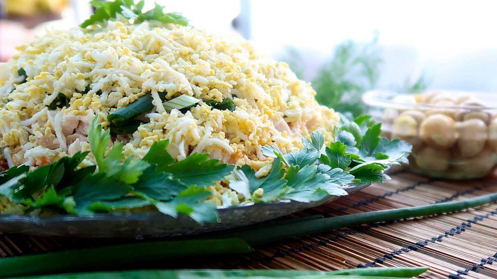 Слоенный пасхальный салат
