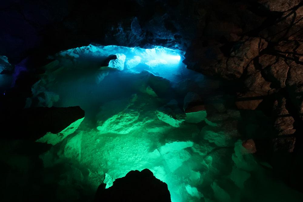 красная-пещера