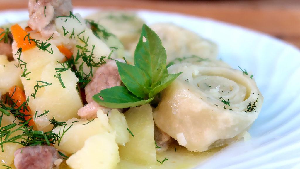 Нудли с картофелем и мясом