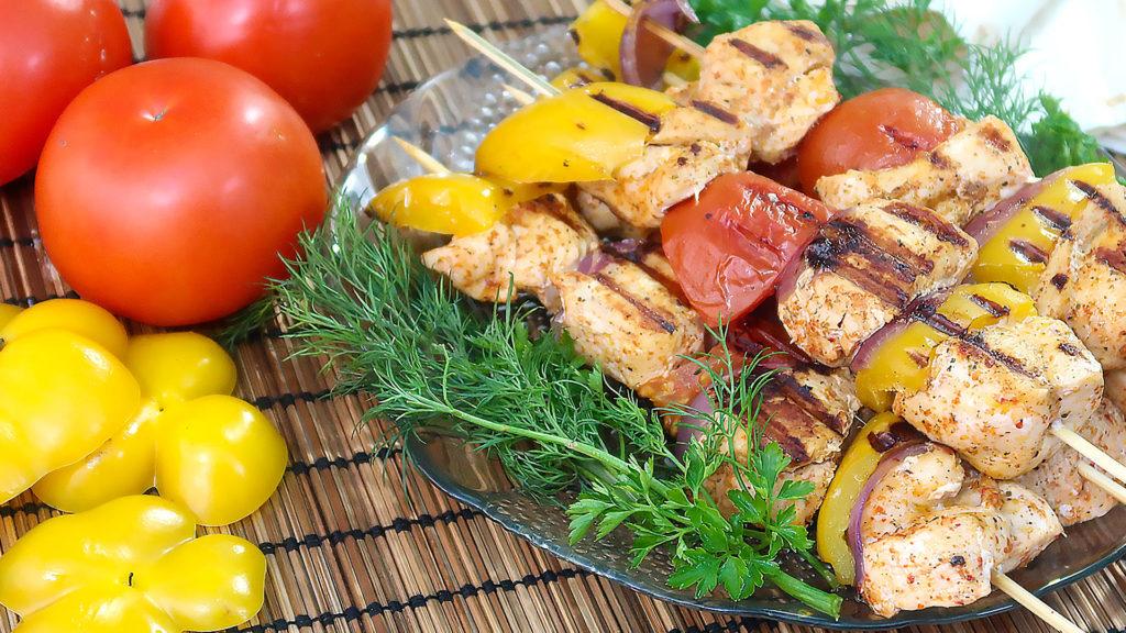 Шашлыки из курицы с овощами