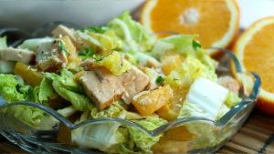 Салат с курицей и апельсином
