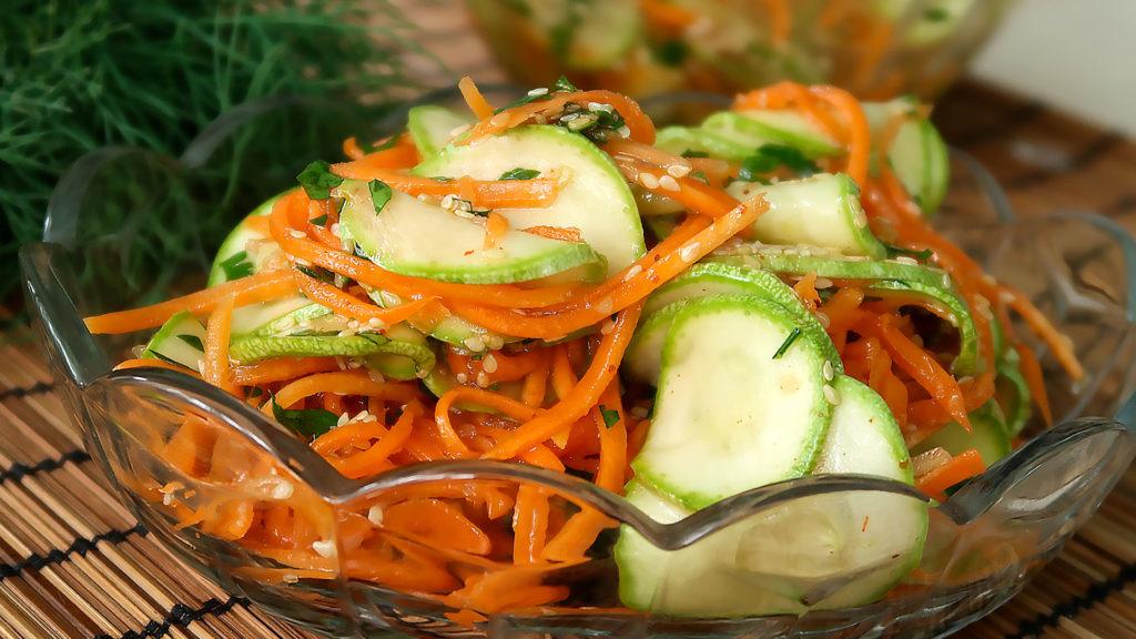 Салат из молодых кабачков