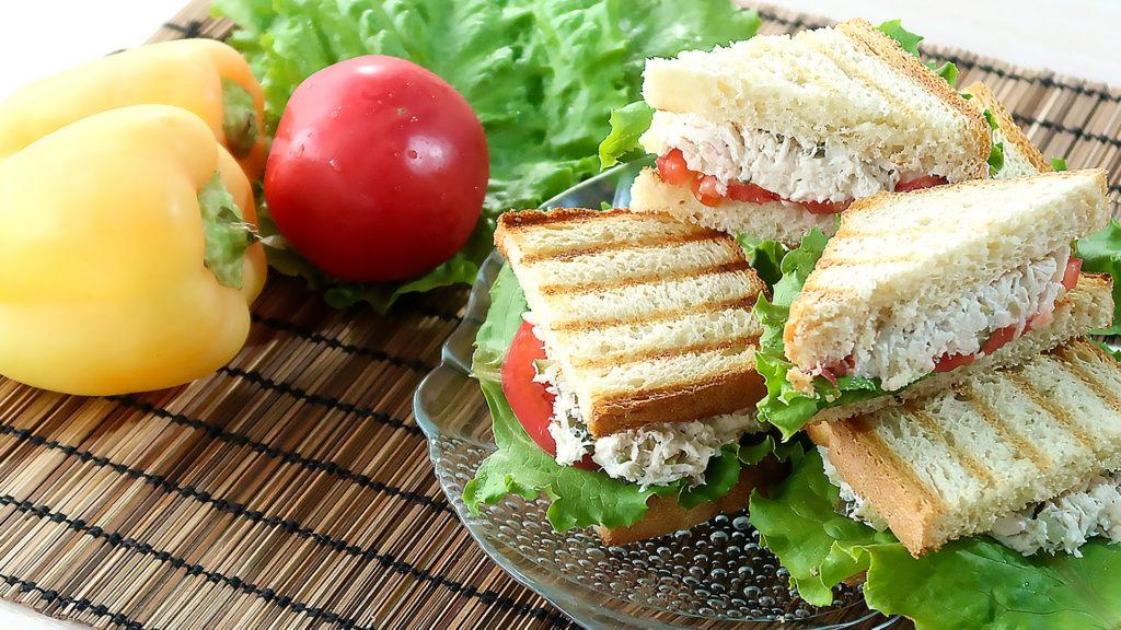 Сэндвичи с курицей на завтрак