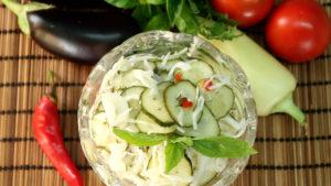 Салат из капусты в горячем маринаде