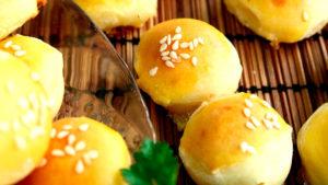 Мини пирожки с сырной начинкой